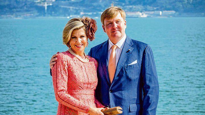 como reyes. La argentina Máxima Zorreguieta y su esposo Guillermo