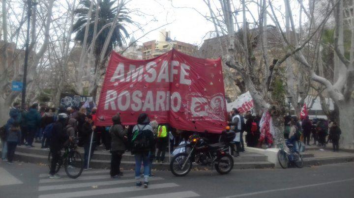 Fuerte reclamo de docentes y estatales contra la represión y el ajuste