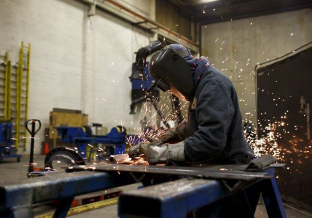 La producción industrial en Santa Fe registró una nueva caída y se perdieron 8.300 puestos de trabajo