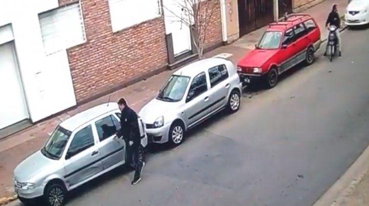 El ladrón quedó filmado en un video. (Foto: captura de video)