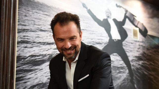 Voz cantante. Barceló fue parte de musicales como Drácula y Mamma mía. También trabajó en televisión.