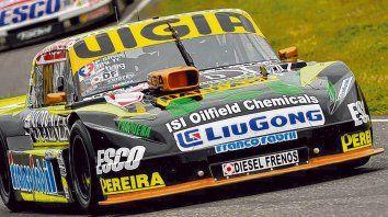 Pato volador. Juan Manuel Silva apareció sobre el final y terminó siendo la gran referencia sabatina con el Ford. Hoy irá por más.