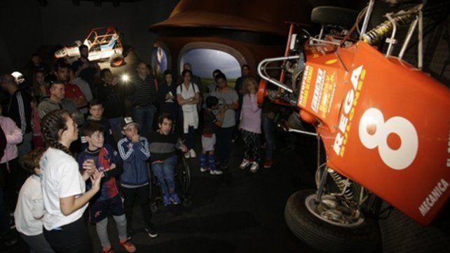 deporte motor. La sala destinada al automovilismo es un importante foco de atracción dentro de la muestra.