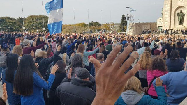 El sábado pasado unos 15 mil evangélicos estuvieron en el Monumento a la Bandera.