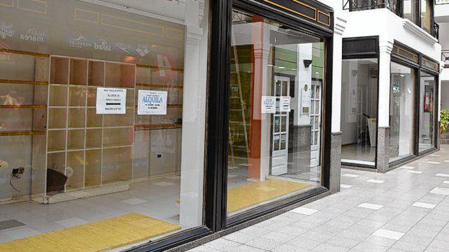 Recesión. Locales vacíos y caída de ventas