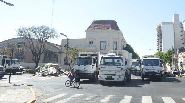 Los recolectores de basura marcharán hacia la alcaidía para reclamar la libertad del hijo del Pipi Andrada