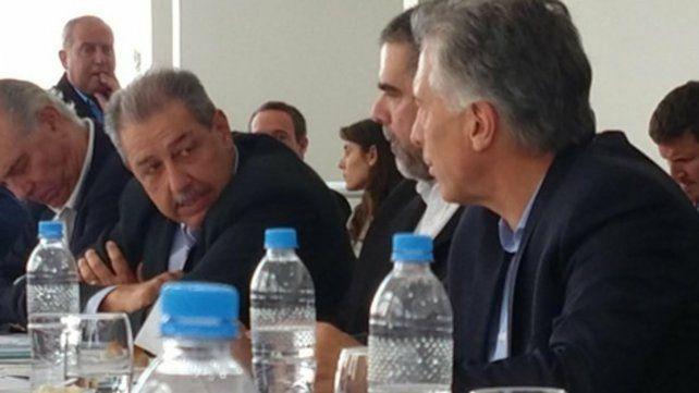 Miradas. Macri recibió quejas y reclamos del sector empresarial en una reunión en el Parque Industrial de Pérez.
