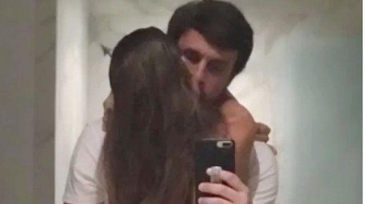 Pampita reveló porqué su novio borró la foto del beso de Instagram