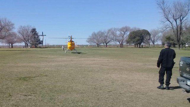 En acción. El helicóptero de ATV Aeroemergencias aterrizó en el Campo de la Gloria para recibir al niño.