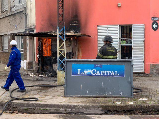 Un voraz incendio se desató en una garita de gas en San Luis y Río de Janeiro.