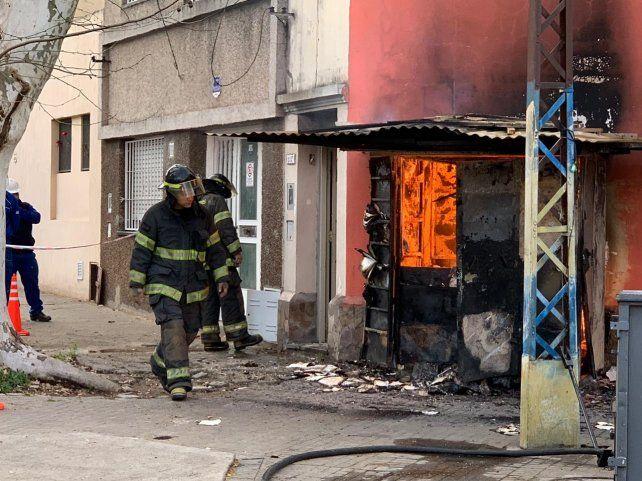 Mirá los videos del incendio que mantuvo en vilo a barrio Echesortu