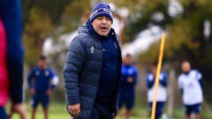 Maradona se ilusiona con armar un buen equipo como director técnico de Gimnasia.