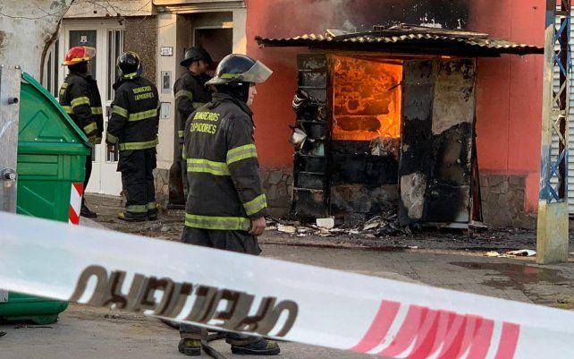 Un incendio en un medidor de gas causa preocupación a los vecinos de zona oeste