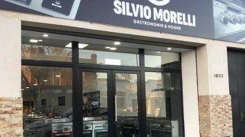 Silvio Morelli Inauguró su moderno local de Calle Arijón