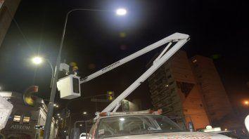 Desde hace dos años la Municipalidad está invirtiendo en sumar tecnología led en plazas y grandes arterias.