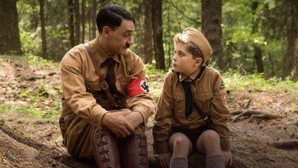 La película se centra en un niño de 10 años que tiene a un insólito amigo imaginario: Adolf Hitler.