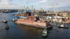La nave Academik Lomonosov partía de Murmansk el 23 de agosto. Ya llegó a Pevek, su destino final en el Artico ruso.