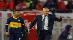 El ídolo y el DT. Carlos Tevez no será titular por decisión de Gustavo Alfaro.