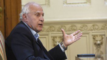 Lifschitz reclamó fondos para auxiliar a municipios y comunas