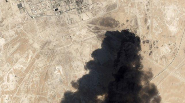 Visible. Imagen satelital que muestra a la refinería de Abaqiq el sábado
