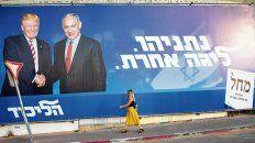 Socios. Afiche de Netanyahu con Trump en las calles de Tel Aviv.