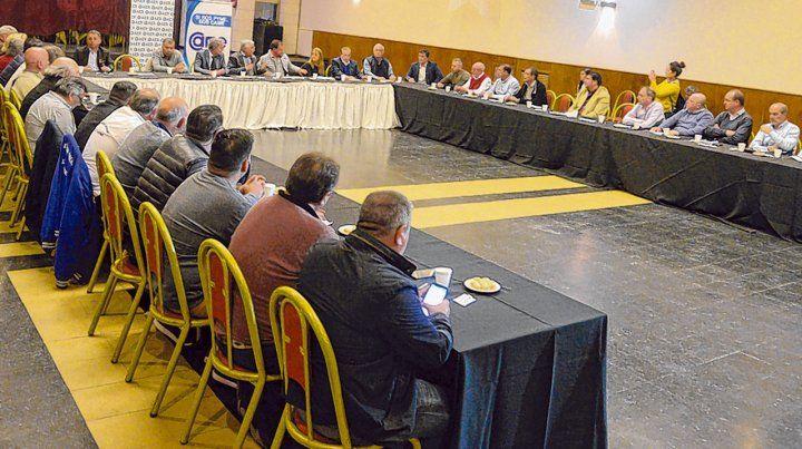Unión. Ayer hubo un encuentro clave en la Asociación Empresaria de Rosario.