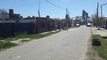 Límite. La calle Maresca divide los barrios Nuevo Alberdi y Fontanarrosa.