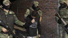 operativo. Un niño es detenido es Nuevo Laredo, una de las zonas calientes de un país trazado por el crimen organizado y la violencia.