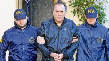 El empresario Oscar Thomas salió el martes en libertad bajo fianza.