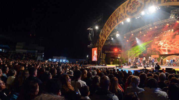 El aumento del dólar también complica al Festival de Cosquín
