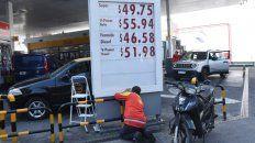 Aumento. A un mes de anunciado, el congelamiento de precio de la nafta se derrite. Autorizaron un ajuste.