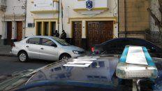 Las TOE realizó allanamientos esta tarde en la sede de la Policía Federal de Santa Fe. (Foto: Uno de Santa Fe)