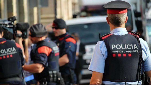 La policía catalana en el lugar del hecho.