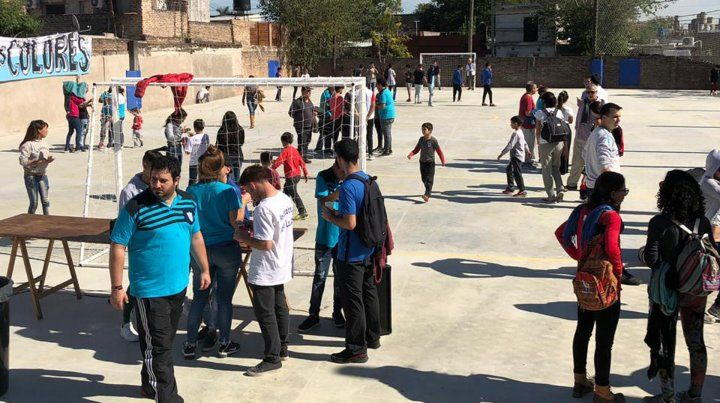 Un club de barrio de Rosario pide que lo voten en un concurso para construir sus vestuarios