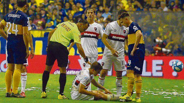 Se quedó a pie. El esfuerzo de Cacciabue por presionar alto le pasó factura y seguro no jugará el viernes.