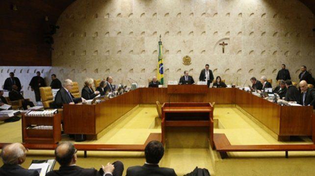 Jueces. La Corte reanudó sus deliberaciones ayer y las continuará hoy en el marco del mayor proceso anticorrupción en la historia del país.
