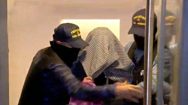 Detuvieron a un hombre con doce kilos de droga en pleno centro y casi 2 millones de pesos