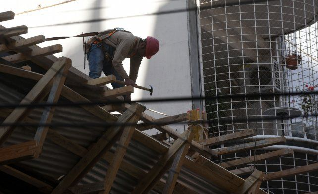 La actividad industrial se derrumbó en agosto y cayó el ocho por ciento en el año