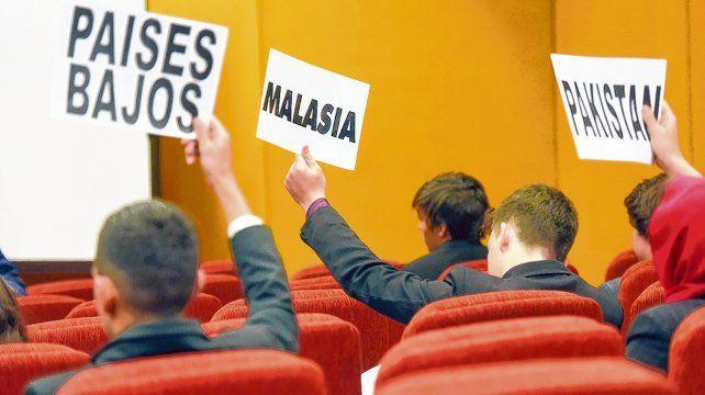 Alumnos de distintas escuelas vivieron una jornada en la Universidad Católica donde representaron a los países integrantes de las Naciones Unidas