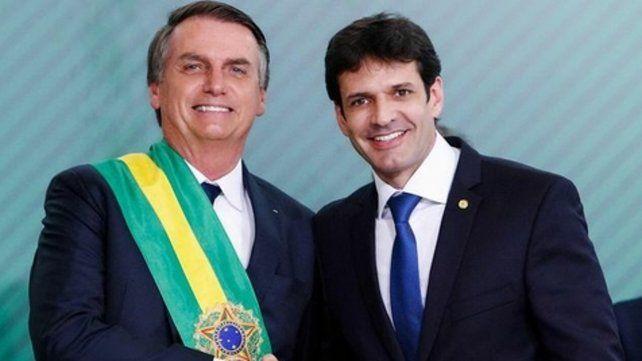 Respaldo. El ministro Marcelo Alvaro Antonio con Bolsonaro
