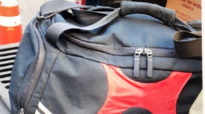 El bolso que le secuestraron al comisario Valdés.