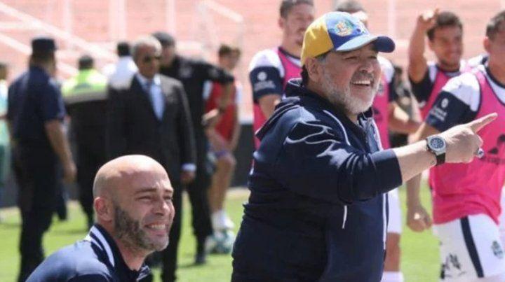 Gimnasia goleó al Tomba el el primer triunfo de Maradona como DT