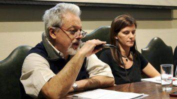 Conversatorio. El economista Sergio Arelovich y la abogada Luciana Censi en un taller sobre salud, ambiente y trabajo.