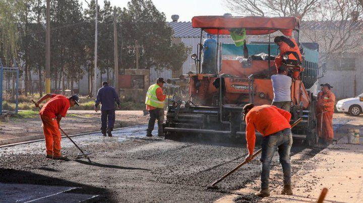 La obra. Las calles se asfaltaron en caliente y se compactaron.