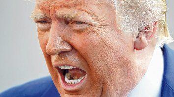 Furioso. Gesto de Trump durante una reunión de prensa en uno de los jardines de la Casa Blanca.