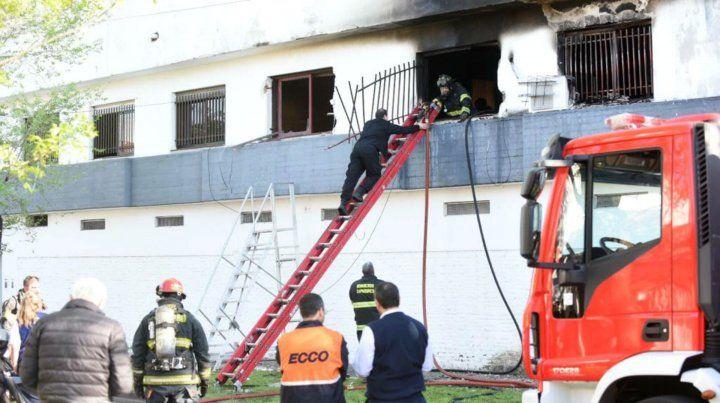 El incendio fatal ocurrió en una vivienda de Virasoro al 2400.