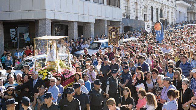 De fiesta. La procesión desde la Catedral comenzará a las 16.30.