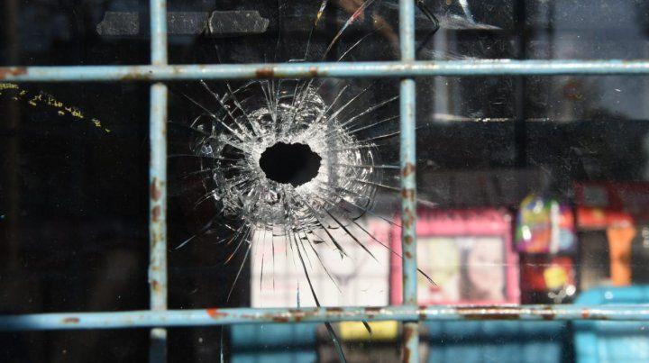 La vivienda del dirigente del gremio de los taxistas Horacio Yianotti fue baleada dos veces.