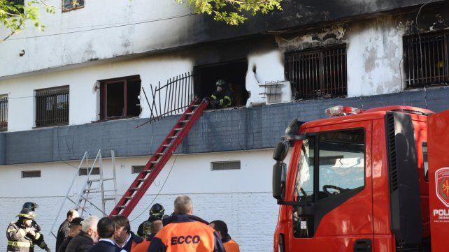 Tragedia. El incendio ocurrió el domingo por la mañana en el primer piso de un complejo de Virasoro al 2400.