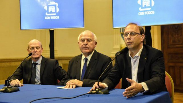 Lifschitz dijo que las medidas de Macri le hacen un daño muy grande a las provincias